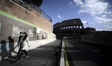 """Italia advierte que mantendrá """"hasta marzo"""" las medidas rígidas contra el coronavirus"""